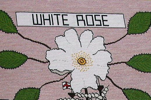 tapestry photo 1605 White Rose flower